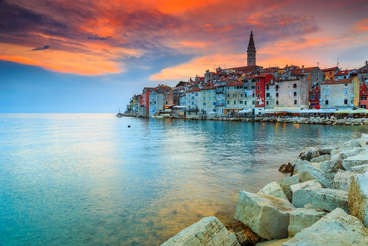 old town of Rovinj shutterstock 293831561 1